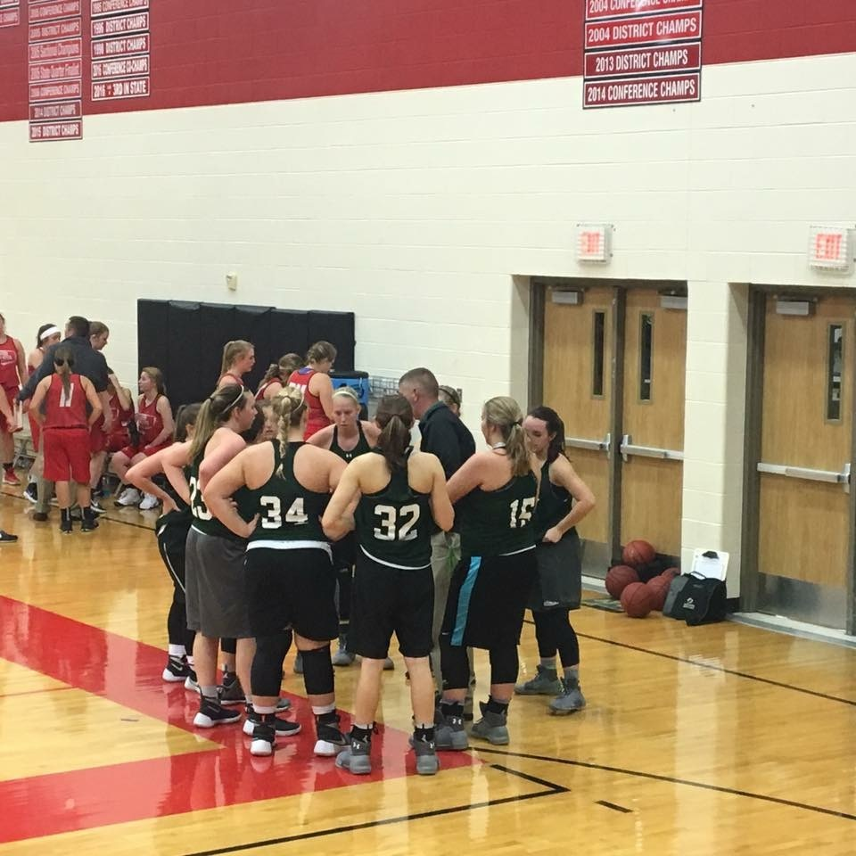Lady Eagles Basketball Goes 1-1 in the Aurora Jamboree